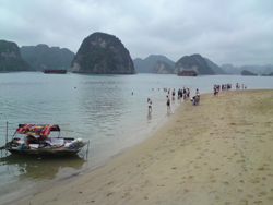 halong bay beach